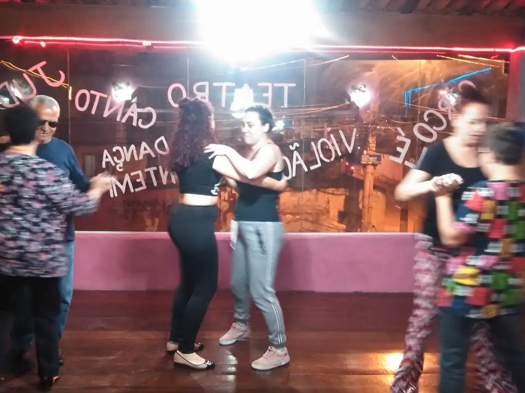 Aulas de dança de salão com a Marcia